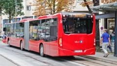 60 solcher Diesel-Gelenksbusse will die IVB anschaffen - neben 60 weitern Niederflurbussen (Bild: Christof Birbaumer / Kronenzeitung)