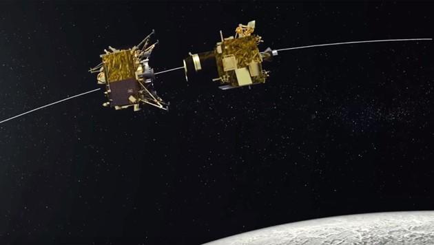 "Illustration: Der Lander ""Vikram"" (links) kurz nach dem Abkoppeln vom Orbiter (rechts) (Bild: YouTube.com/ISRO)"