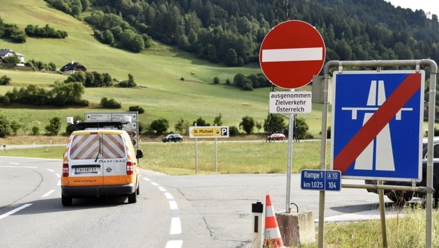 Die Abfahrten waren samstags und sonntags für den gesamten Durchzugsverkehr gesperrt. (Bild: Holitzky Roland)