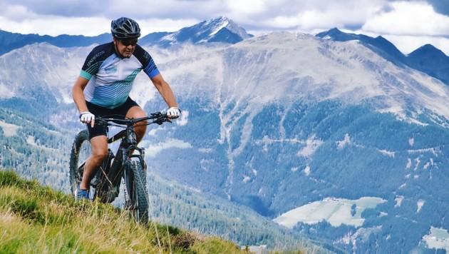 Hermann Mitteregger beim Testen der neuen E-Bike WM-Rennstrecke (Bild: Wallner Hannes)