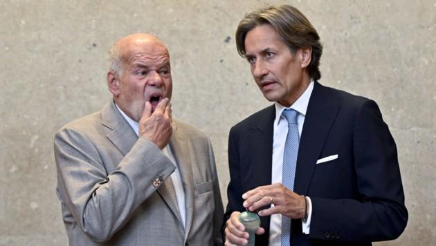 Grasser und sein Anwalt Manfred Ainedter (Bild: APA/HERBERT NEUBAUER / APA-POOL)
