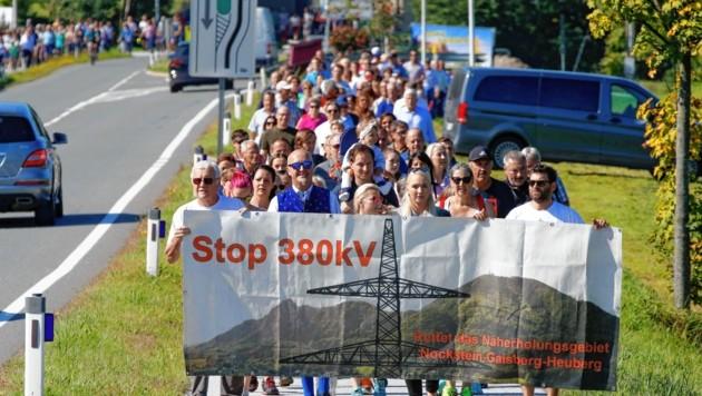 380-kV-Protestmarsch in Guggenthal (Bild: Markus Tschepp)