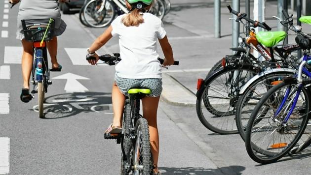 Mehr Räder, weniger Autos - so will die Initiative auch das Klima entlasten. (Bild: Christof Birbaumer / Kronenzeitung)