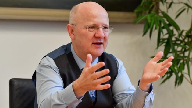 Michael Rockenschaub, Generaldirektor der Sparkasse OÖ, spricht Klartext. (Bild: Harald Dostal)