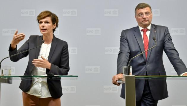 SPÖ-Chefin Pamela Rendi-Wagner und der stellvertretende Klubvorsitzende Jörg Leichtfried (Bild: APA/HERBERT NEUBAUER)
