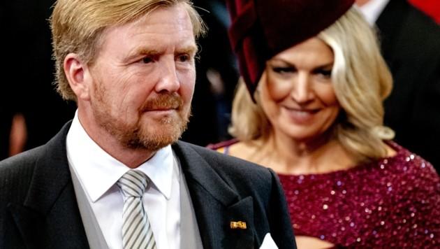 König Willem-Alexander trägt jetzt Bart und die Royal-Fans sind begeistert.