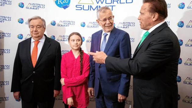 """""""Klima-Präsident"""" Van der Bellen hat ein internationales Netzwerk umweltbesorgter Mitstreiter auf die Beine gestellt. Hier ein Beispiel vom Mai dieses Jahres mit Arnold Schwarzenegger, UNO-Generalsekretär Guterres und der Klimaaktivistin Greta Thunberg. (Bild: APA/Georg Hochmuth)"""