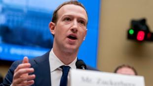 Im April des Vorjahres hat Facebook-Chef Mark Zuckerberg vor dem Kongress Rede und Antwort stehen müssen. (Bild: AP)