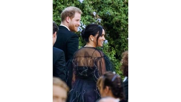 Harry und Meghan auf der Hochzeit von Misha Nonoo (Bild: Claudio Peri)