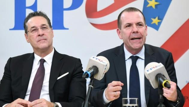 Ex-FPÖ-Bundesparteichef Heinz-Christian Strache und FPÖ-EU-Abgeordneter Harald Vilimsky (re.) (Bild: APA/Helmut Fohringer)