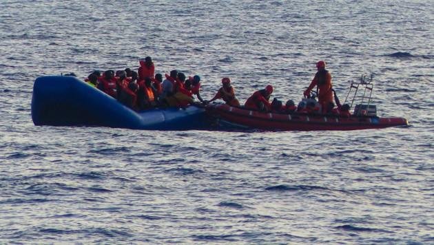 Flüchtlingsboot (Symbolbild) (Bild: AFP (Symbolbild))