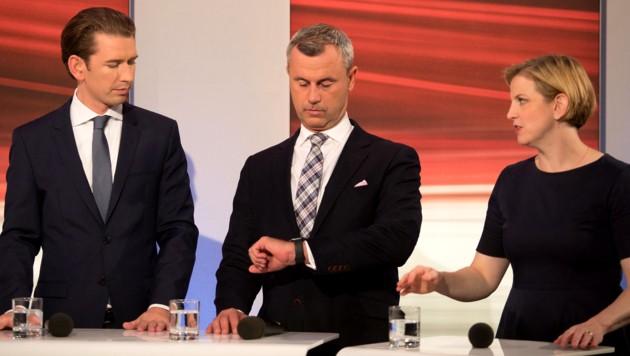 Sebastian Kurz (ÖVP) muss nach einem Koalitionspartner suchen: Norbert Hofer (FPÖ) hat in einer ersten Reaktion abgewunken, mit den NEOS allein geht es sich nicht aus. (Bild: AFP)
