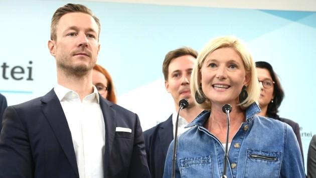 ÖVP-Landesparteichef Gernot Blümel und Landesgeschäftsführerin Bernadette Arnoldner (Bild: APA/HELMUT FOHRINGER)