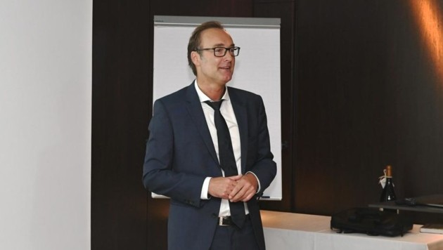 Primar Gerhard Jenic ist seit Sommer der neue Abteilungsvorstand der Chirurgie und Gefäßchirurgie im LKH Villach. Im Holiday Inn gab er seine offizielle Antrittsvorlesung. (Bild: Büro Prettner)