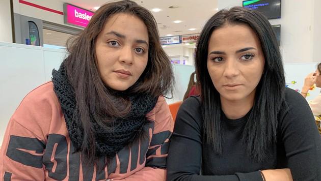 Bitten um Hilfe: Akty (r.) und ihre Schwester Najat (Bild: Kerstin Wassermann)