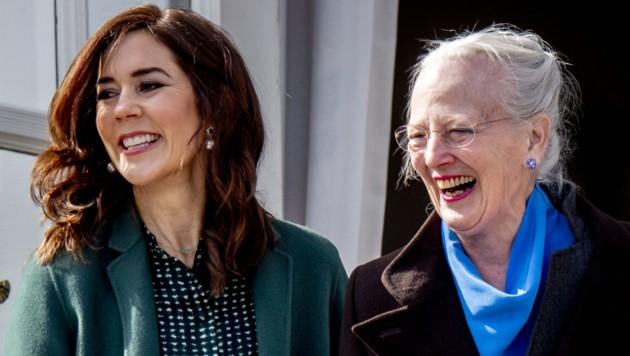 Königin Margrethe II und Kronprinzessin Mary bei den Feierlichkeiten zum 79. Geburtstag der Königin auf Schloss Marselisborg in Aarhus (Bild: Utrecht, Robin / Action Press / picturedesk.com)
