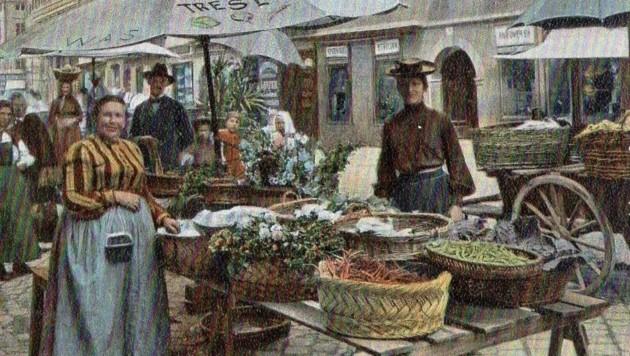 """""""Ratsch-Thresl"""" mit ihrem Gemüsemarktstand (Bild: Archiv)"""