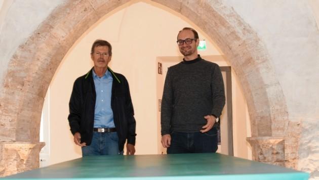 Franz Bachmann (li.) und Philipp Odelga vom Arbeitskreis Falkenberg/Museum Murtal (Bild: © Elmar Gubisch)
