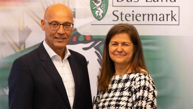 AMS-Landesleiter Karl-Heinz Snobe und Soziallandesrätin Doris Kampus (Bild: Land Steiermark)