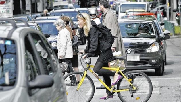 In Graz steht man ständig im Stau - nicht nur an Werktagen. (Bild: Jürgen Radspieler)