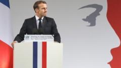 Präsident Emmanuel Macron sagte, er verbeuge sich im Namen der Nation vor den Toten. (Bild: AFP)