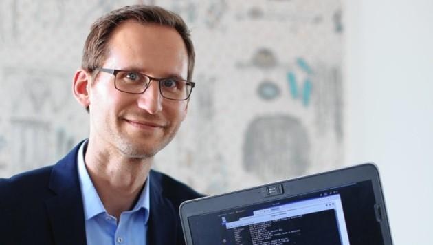 Robert Thek ist Hacker-Chef bei der IT-Firma Kapsch BusinessCom. Viele Salzburger Unternehmen zählen auf ihn. (Bild: Gerhard Bartel)