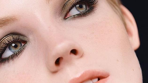 Make-up in herbstlichen Nuancen liegt jetzt im Trend. (Bild: instagram.com/chanel)