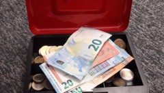 Eine Geldkassette brach ein Einbrecher in einem Haus in Glödnitz auf (SYMBOLFOTO) (Bild: zVg)
