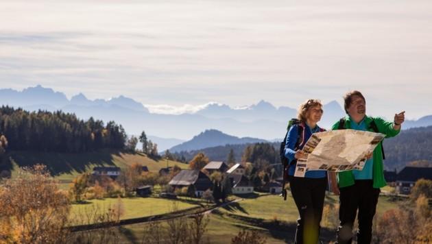 Wandern ist im Trend. Experte Heinz-Dieter Quack referierte Donnerstag in Lienz. (Bild: Elias Jerusalem)