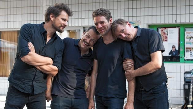 John Krempl, Markus Kertz, Michael Mautner und Steve Aho (li.) sind Love God Chaos. (Bild: Una Knisolina)