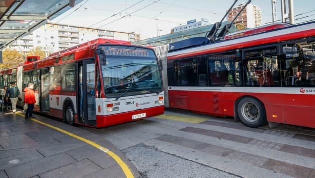 Die Buslinien in Salzburg verkehren wieder in normalem Takt. (Bild: Markus Tschepp)