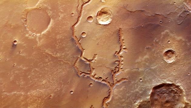 Sonde fotografiert einstiges Flusstal auf dem Mars