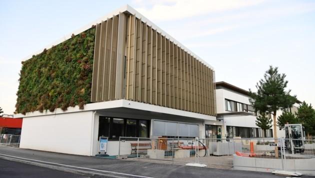 Das Gemeindeamt in Wiener Neudorf (Bild: P. Huber)