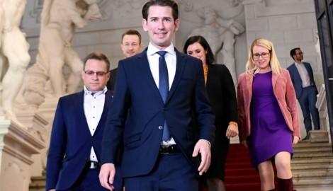 Das ÖVP-Verhandlungsteam bei den Sondierungen (Bild: APA/HELMUT FOHRINGER)