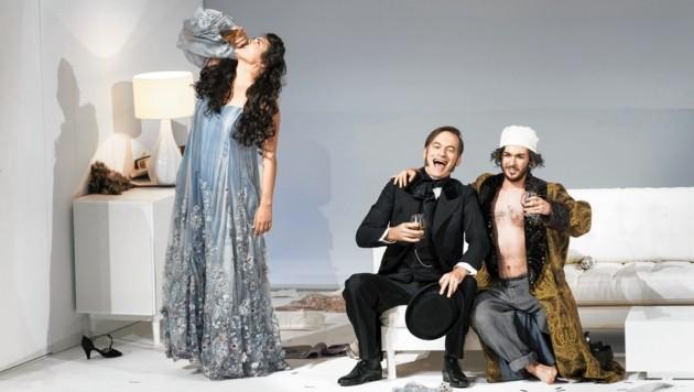 Rosalinde (Elissa Huber), Frank (Markus Butter) und Alfred (Albert Memeti). (Bild: Werner Kmetitsch)