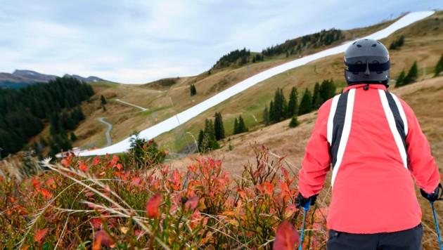 Die Natur wird für einen frühen Skistart mit besten Trainingsbedingungen zurechtgebogen (Bild: AFP/Joe Klamar)
