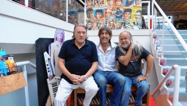 Weltstar Brian Auger - hier mit Gert Prix und Peter Mayr - ist heute ab 20 Uhr wieder im Eboardmuseum in Klagenfurt zu Gast. (Bild: Eboardmuseum)