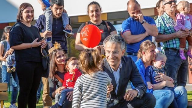 Stadtrat Kurt Hohensinner hat den Ausbau der Kinderbetreuungseinrichtungen weiter ganz oben auf seiner Agenda. (Bild: Foto Fischer)