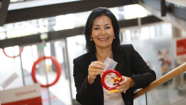 Oberbank Direktorin Petra Fuchs fiebert der Weltsparwoche entgegen. (Bild: Tschepp Markus)