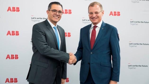 Landeshauptmann Thomas Stelzer traf Sami Atiya, Mitglied der ABB-Konzernleitung (Bild: Foto Land OÖ, Max Mayrhofer)