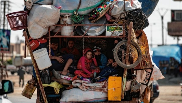 Kurden wieder auf der Flucht, hier in Nordsyrien. Flucht und Vertreibung begleitet dieses Volk seit Jahrhunderten in Konfrontation mit Türken und Arabern. (Bild: AFP)