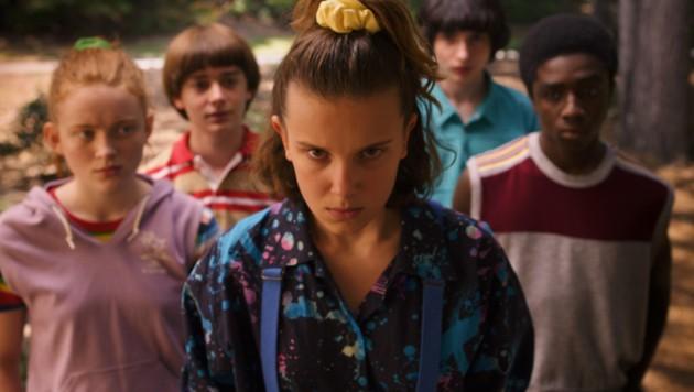 Millie Bobby Brown, Sadie Sink, Noah Schnapp, Finn Wolfhard, Caleb McLaughlin (Bild: Netflix / Everett Collection / picturedesk.com)