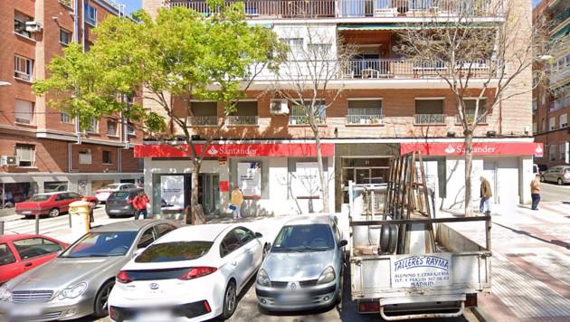 In diesem Haus lag eine Pensionisten 15 Jahre lang tot in ihrer Wohnung. (Bild: GoogleMaps)