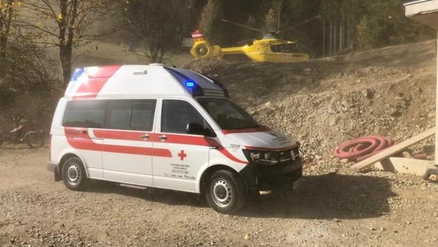 Per Rettungshubschrauber wurde der Oststeirer ins LKH Graz geflogen. (Bild: C. Amberger/Rotes Kreuz Steiermark)