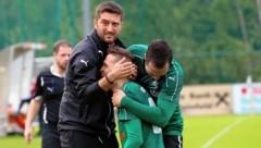 Eugendorf Trainer Arsim Deliu (links) will heuer mit seiner Mannschaft Meister werden. (Bild: Andreas Tröster)
