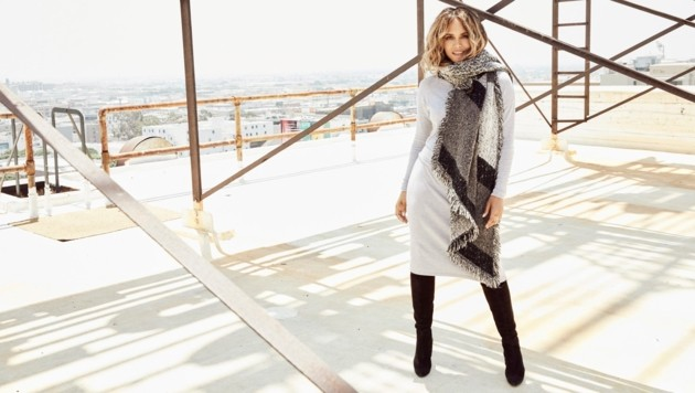 """Halle Berry im selbst entworfenen Kleid: """"Mode hat einen großen Stellenwert in meinem Leben."""" (Bild: © HOFER)"""