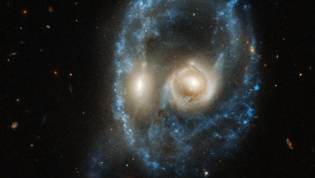 So sieht es aus, wenn zwei ungefähr gleich große Galaxien kollidieren. (Bild: AFP)