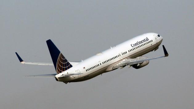 Eine Boeing 737NG beim Abheben - 50 Stück des Modells müssen derzeit allerdings am Boden bleiben. (Bild: AP/)