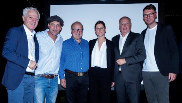 Arno Melitopulos (TGKK-Direktor), Gregor Bloéb, Franz Eberharter, Eleonora Pancheri (TGKK) und TGKK-Obmann Werner Salzburger (von links). (Bild: TGKK)