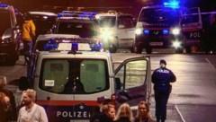 Immer wieder kommt es am Rudolfskai zu Polizeieinsätzen (Bild: Markus Tschepp)